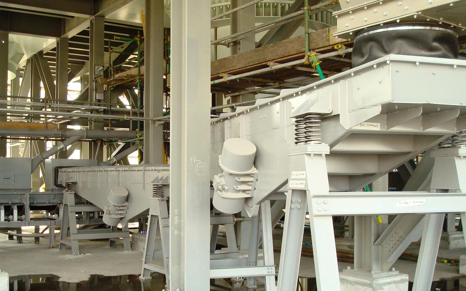 VIBRATING FEEDERS5