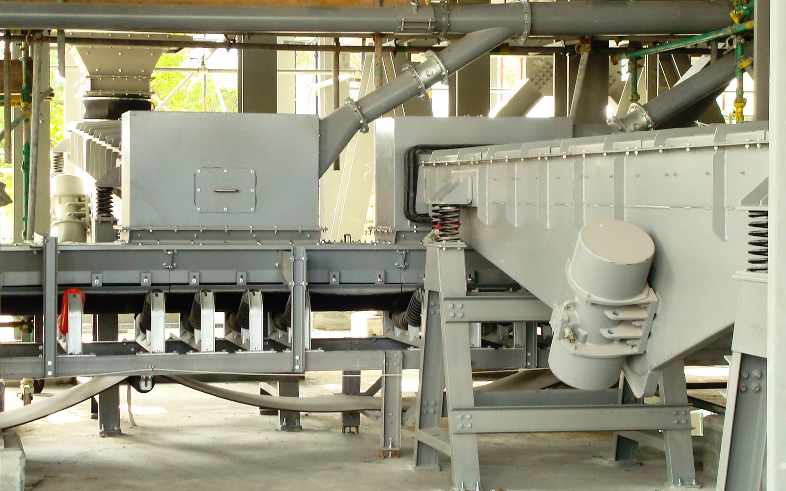 VIBRATING FEEDERS3