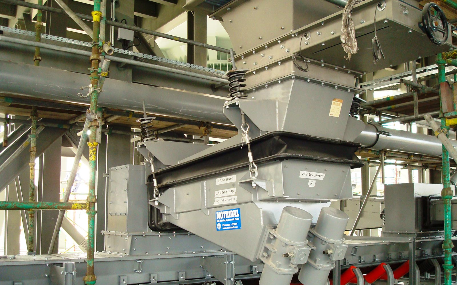 VIBRATING FEEDERS7